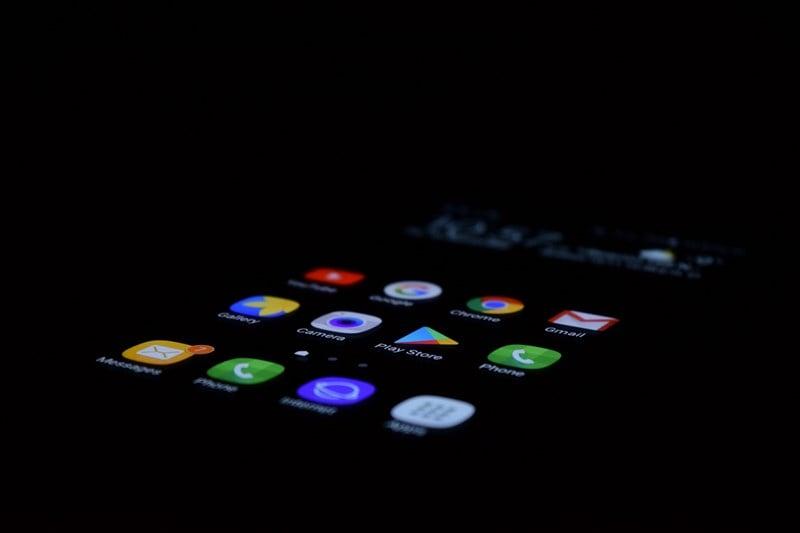 mobile apps dark